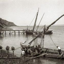 Oude gravure met de Palenca dakpannen fabriek in centraal Portugal zo'n 100 jaar geleden.