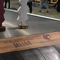 Zelfs op de bagage band van het vliegveld