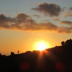 Na een mooie dag ook een spectaculaire zonsondergang.